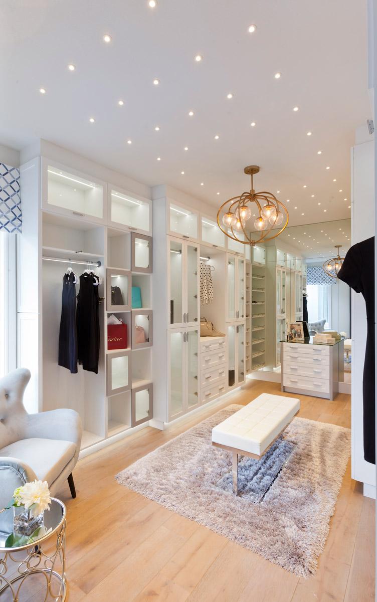 korina her closet vertical